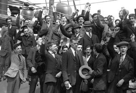 Emigrants leaving Tilbury Docks for Australia in 1922.