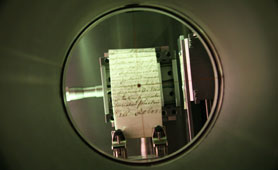 'NanoStar', a benchtop X-ray diffraction instrument that can obtain structural information from the collagen in parchment
