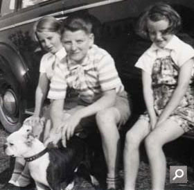 1940: Betty, George and Doris Parr in Nova Scotia, Canada (DO 131/47)
