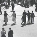 Festival Of Britain, 1951: crowded piazzas. Catalogue reference: WORK 25/210