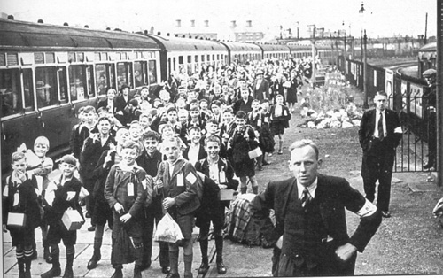 Children from Birkenhead arrive at Oswestry Station