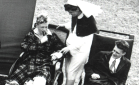 Photograph of nurse and patients at an RAF hospital (Catalogue reference: INF 2/43/1169)