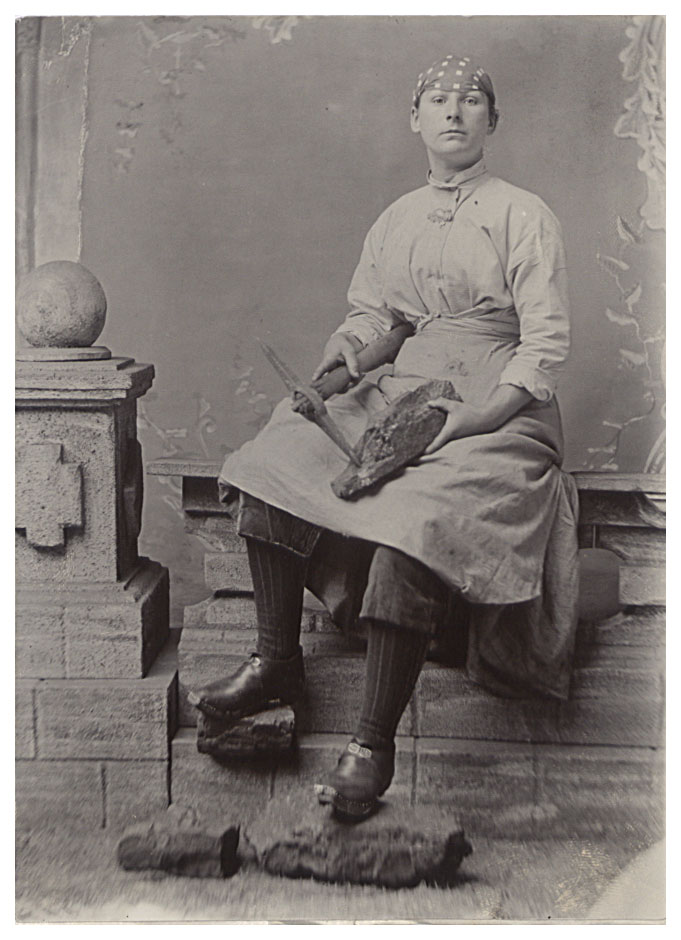 Photograph of a pit brow girl, Wigan, Lancashire, 1900 (COPY 1/447 f.145)