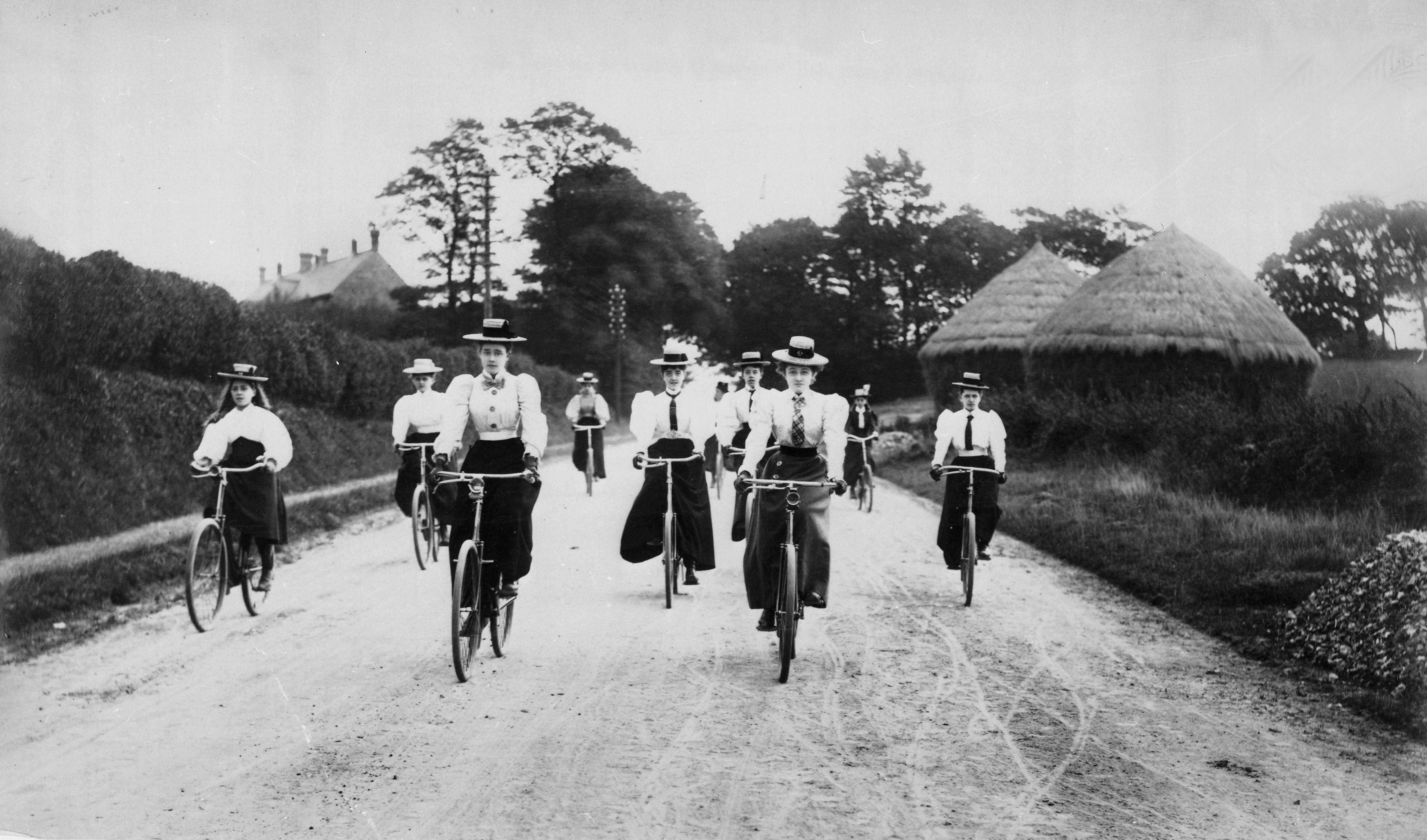 COPY1/435 (62) Group of female cyclists, Sittingbourne, Kent 1898