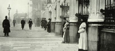 Image of Suffragettes outside Parliament 1913