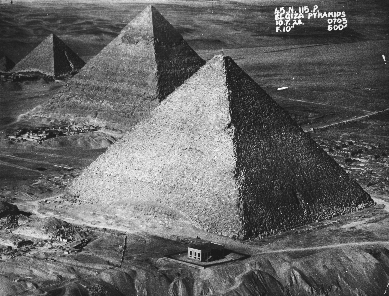 OS 1/384(22) 1928 Pyramids