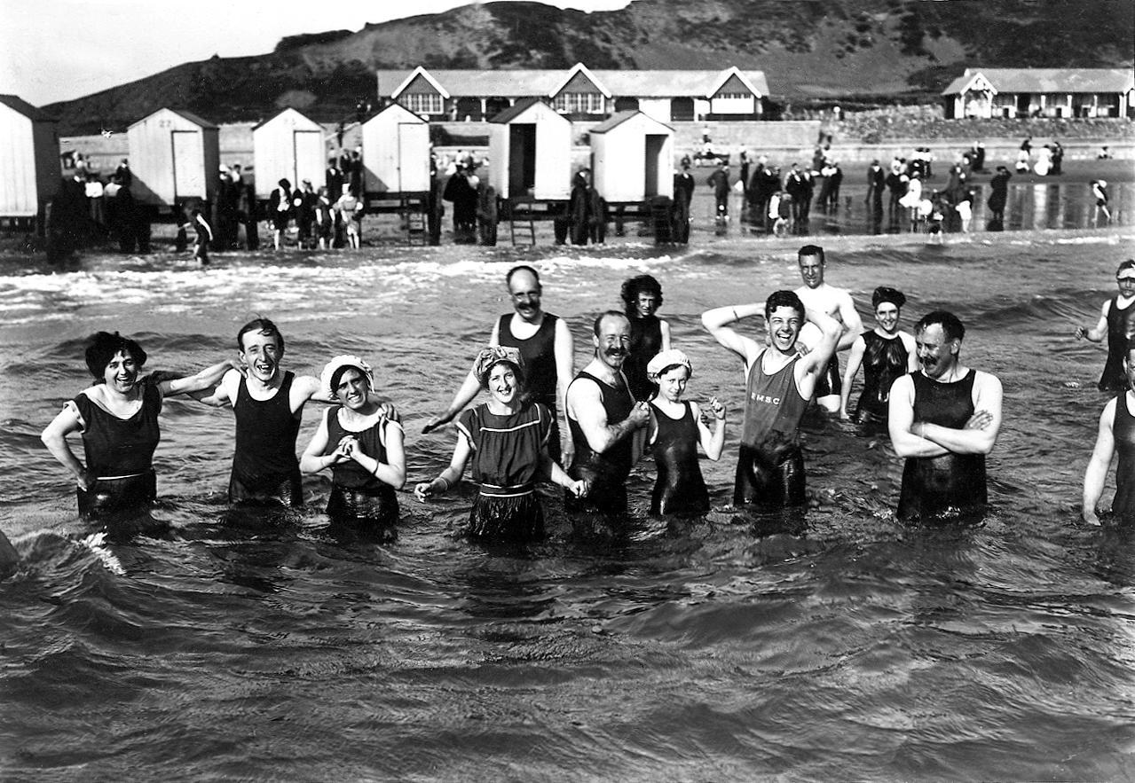 COPY1/559 (66) Bathers, North Bay, Scarborough, 1911