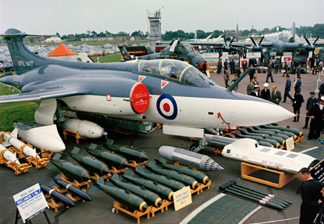 A Royal Navy Blackburn Buccaneer S2B (XV157) on display at the 1966 Farnborough Airshow.