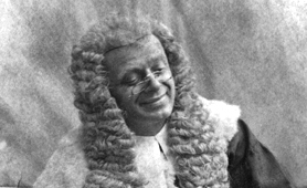 Photograph of a barrister (Catalogue reference: COPY 1/414/843)