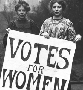 Photograph of suffragettes (Catalogue reference: (COPY 1/494)