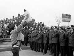 Miners strike picket