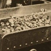 RAIL343-725-(14a) Close up of the nuts